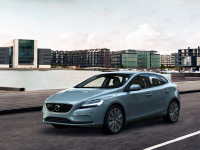 Volvo V40 2.0 t2 kinetic 90kW -  - 423,00 p/m